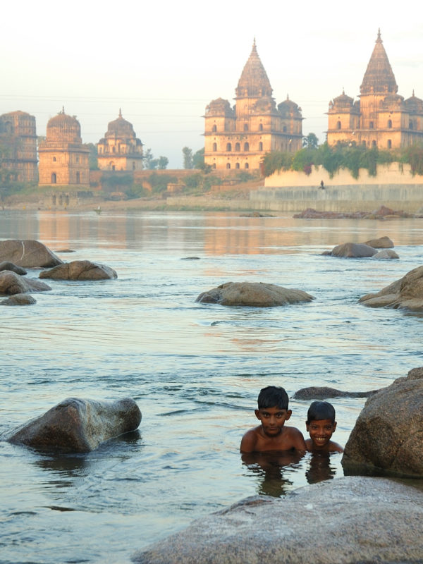 Children in the Betwa River in Orchha